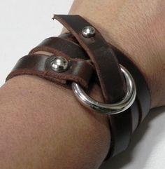 Brown Leather Bracelet Wrap leather Bracelet by BeadSiam Leather Cuffs, Leather Men, Brown Leather, Leather Accessories, Leather Jewelry, Leather Bracelets, Crea Cuir, Bracelet Cordon, Leather Projects