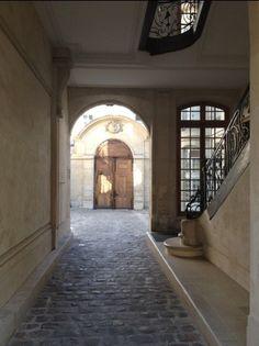 Great tips for Paris: secret entrance to the Louvre, etc