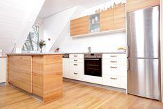Küche in Kernbuche und Alabaster