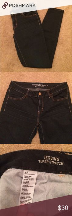 """🆕American Eagle jegging super stretch dark wash In new condition. American Eagle jegging super strech. These are a size 10 in AEO- they fit me pretty TTS. I am 5'5"""" and apx. 130 lbs. As shown in modeled picture, they are a little long on me and thats why I'm selling. Inseam apx. 28"""". No visible defects or marks I can find. Last photo taken with flash to show color. 2 front and 2 back pockets, button and front zipper, and belt loops all the way around. Jegging style (although tagged as…"""