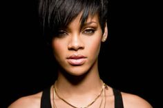 Rihanna's Hairstyles in 5 Minutes – How To!