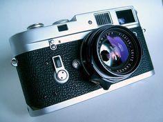 Leica Photography, Photography Camera, Leica M, Leica Camera, Classic Camera, Vintage Cameras, Lens, Film, Movie