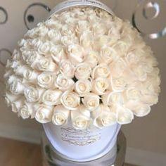 Beautiful Rose Flowers, Beautiful Flower Arrangements, White Flowers, Floral Arrangements, Beautiful Flowers, Rose Flower Wallpaper, Happy Birthday Flower, Red Rose Bouquet, Box Roses