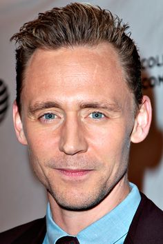 Tom Hiddleston attends High-Rise Premiere - 2016 Tribeca Film Festival at SVA Theatre on April 20, 2016 in New York City. Full size image: http://www.tomhiddleston.us/gallery/albums/2016/events/200416tribecahrredcarpet/112.jpg Source: Tom Hiddleston Fans http://www.tomhiddleston.us/gallery/displayimage.php?album=717&pid=32772#top_display_media