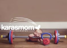 Crossfit WOD Newborn Baby Pose, I need these Newborn Baby Photos, Baby Poses, Newborn Shoot, Newborn Pictures, Baby Pictures, Pregnant Crossfit, Crossfit Baby, Baby Boy Photography, Baby Gym