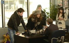 The Heap - Fargo - Gina and the Hess boys confront Lester, while Lester's co-worker looks on