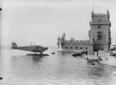 Belem's tour with a Junker hydroplane - picture from Mário Novais, 1927 Portuguese Empire, Portuguese Language, Old Pictures, Old Photos, History Of Portugal, Sea Activities, Flying Boat, Holiday Places, Famous Places