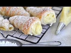Cooking with Manuela: Italian Cream Stuffed Cannoncini (Puff Pastry Horns) - italian desserts Italian Pastries, Italian Desserts, Italian Recipes, Italian Foods, Italian Cooking, Puff Pastry Desserts, Puff Pastry Recipes, Pastries Recipes, Choux Pastry