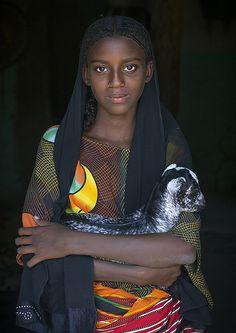 Fatouma Mahammed, Afar Girl Tribe With A Kid Goat, Afambo, Ethiopia - Eric Lafforgue