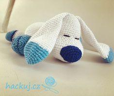 Návod na háčkovaného psa pro děti - Zdarma   hackuj.cz Slippers, Crochet, Decor, Relax, Decoration, Slipper, Ganchillo, Decorating, Crocheting