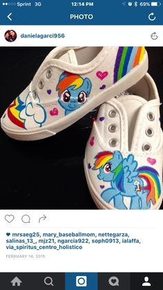 My little pony shoes Painted Canvas Shoes, Hand Painted Shoes, Painted Clothes, Vans Slip On Shoes, Kid Shoes, My Little Pony Shoes, Shoe Painting, Shoe Crafts, Sneaker Art