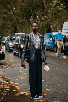Fashion News, Fashion Models, Fashion Beauty, Fashion Trends, Milan Fashion Week Street Style, Model Street Style, Spring Coats, Models Off Duty, Autumn Inspiration