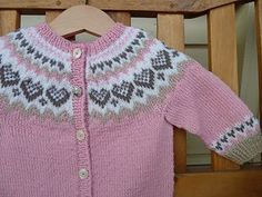 Ravelry: Baby Annabell pattern by Trine Lise Høyseth Puppenkleid Baby Annabell Baby Cardigan Knitting Pattern, Fair Isle Knitting Patterns, Knitted Baby Cardigan, Knit Baby Sweaters, Knitted Baby Clothes, Knitting Baby Girl, Knitting For Kids, Crochet Baby, Baby Patterns