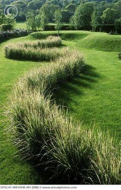 Mooie golvende lijnen, hoogteverschillen en grassoorten