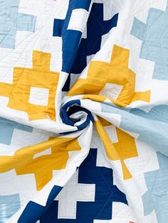 Andes Ode Quilt Pattern - Cotton + Joy Quilting Tutorials, Quilting Projects, Sewing Projects, Modern Quilt Patterns, Print Patterns, Straight Line Quilting, Homemade Quilts, Hand Quilting, Colour Schemes