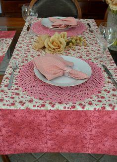 Trilho de mesa com Sousplat de Croche