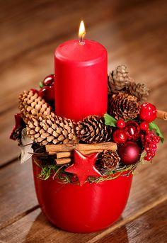 Znalezione obrazy dla zapytania stroiki świąteczne Christmas Table Decorations, Christmas Candles, Christmas Tree Ornaments, Christmas Time, Christmas Wreaths, Christmas Crafts, Red Christmas, Homemade Gift Baskets, Red Candles