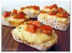 Bruschettas de Queijo com Tomates Marinados ~ PANELATERAPIA - Blog de Culinária, Gastronomia e Receitas