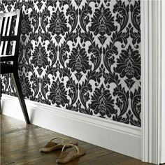 Majestic Damask Feature wall wallpaper Black & White  / metallic silver outline