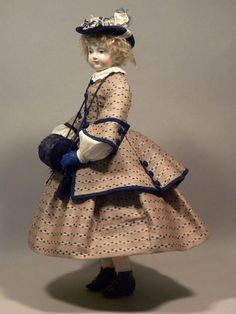 Porcelain Of China Product Antique Dolls, Vintage Dolls, Costume Français, Victorian Toys, French Costume, Magazine Mode, Bisque Doll, New Dolls, Child Doll