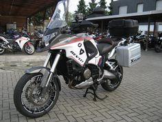 Honda VFR1200X Crosstourer (2047x1536)