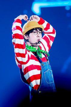 Jin oppa awww so cute Seokjin, Kim Namjoon, Hoseok, Jimin, Bts Jin, Bts Bangtan Boy, Bts Aegyo, Bts 3rd Muster, Car Door Guy