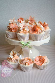 Beautiful Cake Pictures: Coral & Peach Flower Cupcakes: Birthday Cupcake, Cupcakes, Cupcakes With Flowers Peach Cupcakes, Pretty Cupcakes, Beautiful Cupcakes, Flower Cupcakes, Wedding Cupcakes, Wedding Desserts, Birthday Cupcakes, 50th Birthday, Elegant Cupcakes
