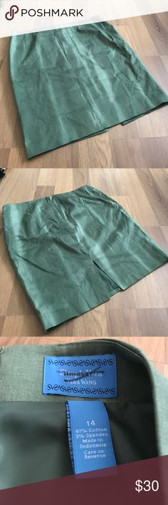 """Plus💋Simply Vera Vera Wang pencil skirt NWOT. Lovely pencil skirt from the Simply Vera Vera Wang collection. Two-toned green watercolor print. Size 14. 17.5 waist. About 22"""" in length. Fully lined. Simply Vera Vera Wang Skirts Pencil"""