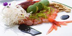 Is Molas Resort ha scelto di offrire ai propri ospiti una cucina moderna, di alto livello, curata nel dettaglio. Tutti i menù proposti dai ristoranti a Is Molas sono firmati dallo chef Ivano Congiu, specialista della cucina mediterranea creativa impreziosita da venature orientali.  La tradizione della Sardegna e l'eccellenza dei prodotti di Pula sono la base dalla quale lo chef parte per elaborare ricette innovative e caratteristiche.