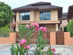 Thailand Real Estate Hua Hin Home For Sale Three Bedroom Home For Sale in South Hua Hin  Price:  10.5 Million THB -- Living Area:  200 Square Meters -- Land Area:  282 Square Meters