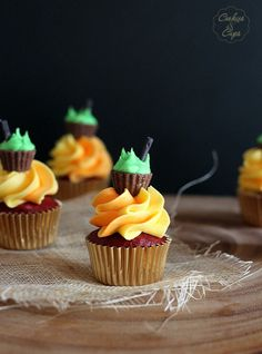 Pin now and save for later! These Halloween Cauldron Cupcakes are a quick and easy way to make any celebration special!