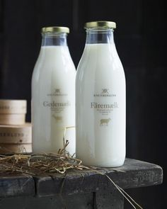 bottles of milk / milk packaging - Packaging bouteille de lait #milk #packaging