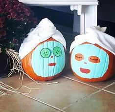 I'm doing this is this year!!! pinchesofwisdom.com #pumpkins #jackolanterns #liveyourbestlife #pinchesofwisdom Halloween Treats, Halloween Diy, Pumpkin Halloween Costume, Halloween Decorations, Halloween Goodies, Halloween Pumpkins, Halloween 2018, Halloween Makeup, Happy Halloween
