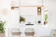 Interior designer Kate Cooper's savvy renovation has reimagined this Sunshine Beach home as a contemporary Airbnb haven. Kitchen Ideas Australia, Barn Door Sliders, Raked Ceiling, Engineered Timber Flooring, Coastal Bathrooms, Coastal Kitchens, Modern Coastal, Coastal Decor, House And Home Magazine
