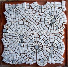 Like this design, could try in colors also. Mosaic Tile Table, Mirror Mosaic, Mosaic Wall Art, Mosaic Backsplash, Mosaic Crafts, Mosaic Projects, Flower Pattern Design, Pattern Art, Marble Pattern