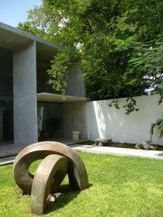 Studio by Munoz Architects Outdoor Sculpture, Outdoor Art, Sculpture Art, Outdoor Gardens, Garden Sculpture, Sculpture Ideas, Outdoor Decor, Garden Stones, Garden Bridge