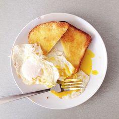 Eggs and toast | @designconundrum