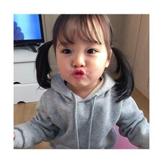 If I have my own daughter, I wish she could be this cute. Her dad face (but my eyes). Cute Asian Babies, Korean Babies, Asian Kids, Cute Babies, Cute Little Baby, Little Babies, Beautiful Children, Beautiful Babies, Kwon Yul