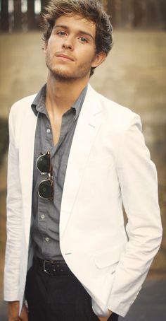 White blazer (or creme color) with grey shirt and black pants - good looking, fresh combination for a guy.  #mens #fashions