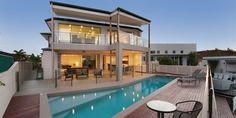 Xanadu Waterfront - Luxury Gold Coast Holiday Homes