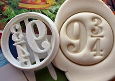 Harry Potter Symbol 3 9 3/4 Cookie Cutter / Made From von Smiltroy