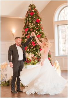 This Christmas themed styled shoot was perfect for the December bride! You can never go wrong with a Gardens in the Gorge Wedding. Downtown Chattanooga, Christmas Themes, Holiday Decor, Cute Cottage, Rental Decorating, Red Roof, Christmas Fashion, Christmas Wedding, Bridal Hair