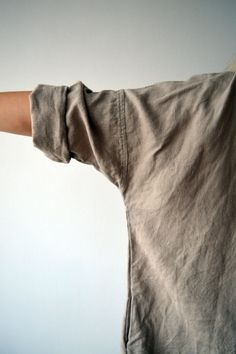 Lovely oversized linen tunic with pockets. Has 3/4 long sleeves and in line pockets for the ultimate comfort. Perfect with trousers and leggings or to wear as a dress. Great texture and lovely wrinkles. Please keep in mind that this is an oversized model - if you want more fitted look, let us know together with your measurements or choose a size smaller than what you usually take and it will still look great. Made from high quality creamy grey medium weight linen that will become softer...
