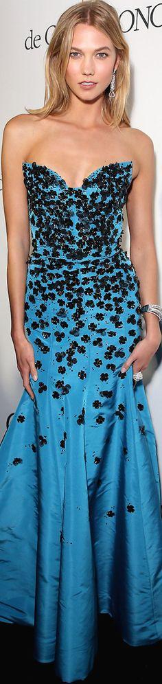 Karlie Kloss wearing Oscar de la Renta at the 2015 Cannes Film Festival- gorgeous dress!! ❤️❤️