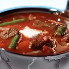 Feel Better, Thai Red Curry, Stew, Soup Recipes, Slow Cooker, Food And Drink, German Recipes, Lunch, Meat