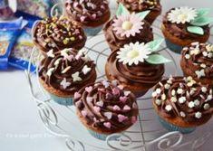 Cupcakes cu mure si ciocolata
