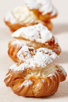 easy desserts & recipes: cookie topped cream puffs & profiteroles & choux cream puffs