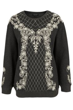 Decorate yourself! There is no way around embroidery this season and here's the jumper that you've all been waiting for.
