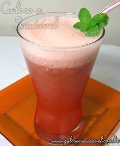 Este suco de melancia com limão é uma limonada antioxidante, muito diurética, de sabor refrescante muito agradável e não existe nenhuma dificuldade para