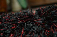 #SHAGGY #NARIN *P901 black-red   http://chodniki.com/dywany-shaggy-narin/8121-dywan-shaggy-narin-p901-black-red.html